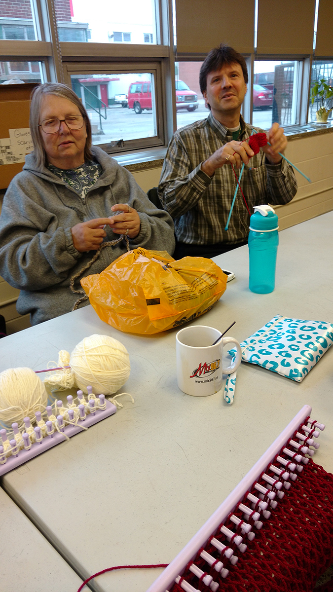 Leisure---Knitting---LMG_20151112_091355882